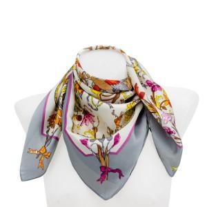 Платок АТЛАС 70*70 Цветы маленькие серый